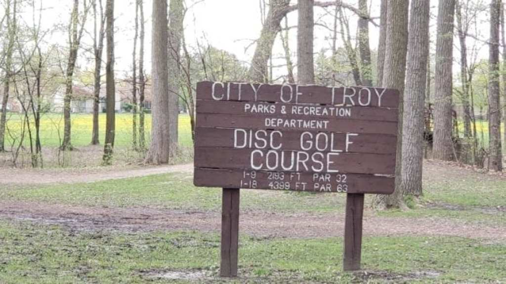 disc golf course in Troy