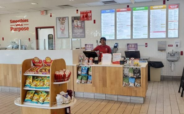 inside Smoothie King in St. Clair Shores