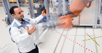 Gesture Control To Guide Industrial Robots