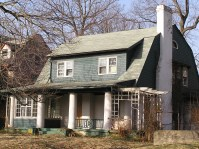 Colonial in the Wick Park Historic District before exterior work.