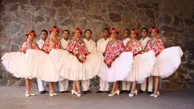 Photo of Las Noches de Folclor continúan con la presentación del grupo de danza D'Blaroz