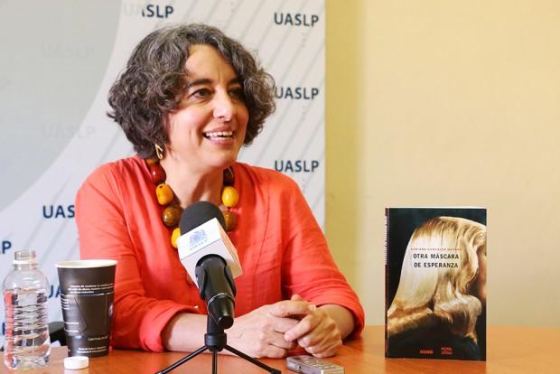 03_18_2015 PRESENTA LIBRO OTRA MASCARA DE ESPERANZA ADRIANA GONZALEZ MATEOS IMG_5546