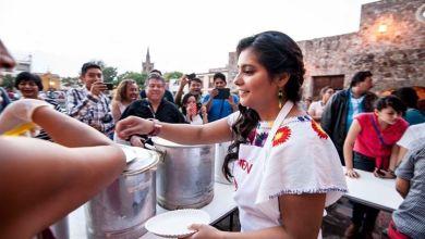 Photo of Gran éxito la venta de tamales de Carmen Mirdanda a beneficio