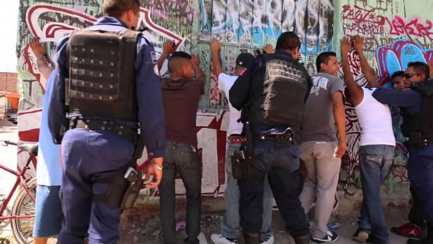 """Presentan en Francia documental de """"chavos banda"""" de San Luis Potosí."""