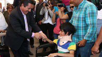 Photo of Ricardo Gallardo entrega 400 sillas de ruedas a personas con discapacidad