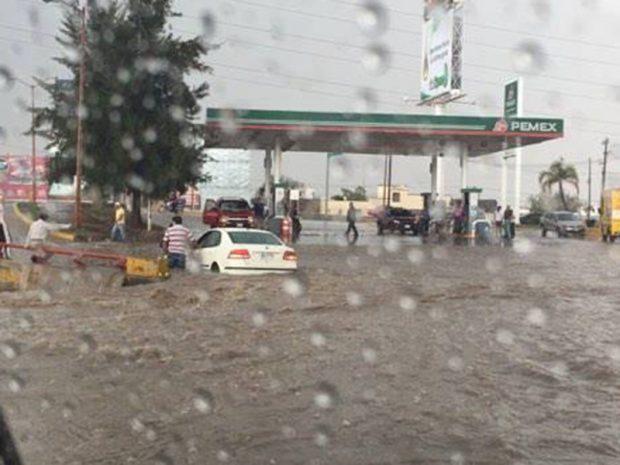 Glorieta Familia inundacion