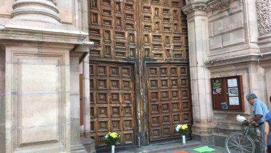 Photo of Aparecen cartulinas en la Catedral Potosina en contra de «Los Iluminados»