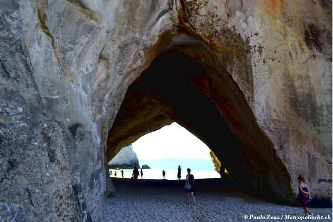 Cathedral_Cove_Metropolischt_2