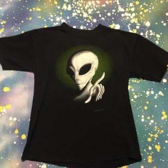 METROPOLIS T-SHIRT MADNESS: Funky Alien T-Shirt! #metropolis #metropolisvintage #metropolisnycvintage #metropolistshirts #metropolistshirtmadness #vintagetshirts #tshirts #aliens