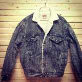 Levi lined acid wash jacket #levi #vintagelevi #acidwash #vintageacidwash #levijacket #denimjacket #vintagelevi #tribenyc #vintagedenim #vintage90s #vintagenyc #vintagejacket