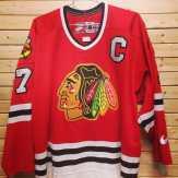 #blackhawks #hockey #chicagohockey #hockeyjersey #vintagejersey #chicago #stanleycup #vintage #vintagehockey #chicagoblackhawks #tribenyc #tribe #