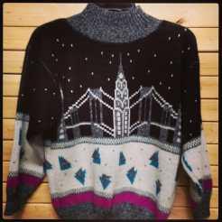 Vintage Sweater #vintage90s #vintagenyc #vintageshirt #vintagestyle #vintagesweathers #vintagenewyorkcity