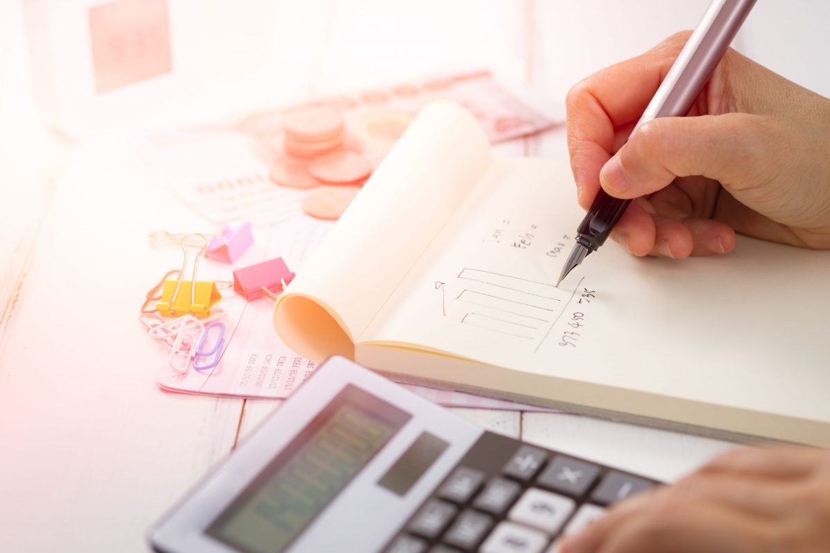 6 Tips to Track Your Small Business Costs