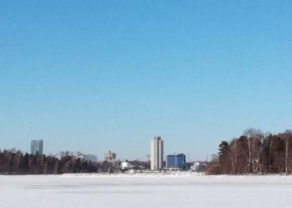 Metroasemalta toiselle kävellen: Koivusaari-Keilaniemi