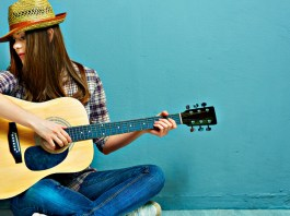 tips to play the guitar