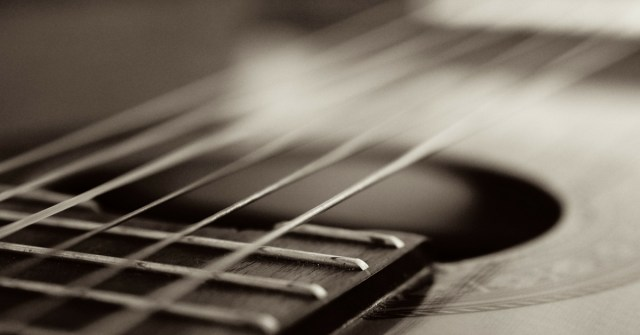 Simple Tips to Play the Guitar