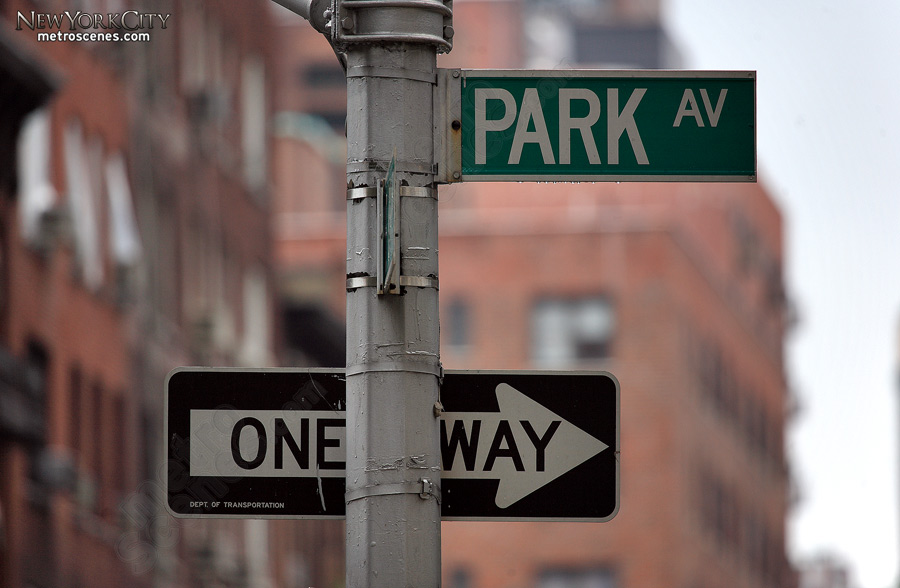 Park Avenue Street Sign Metroscenes Com New York City