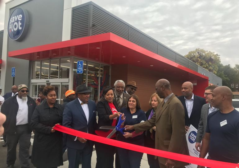 Sav A Lot grocery brings new life to food desert