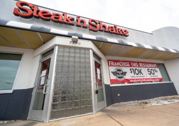 Seniors yearn for a Steakburger, or fries, as Steak 'n Shake's future seems shaky