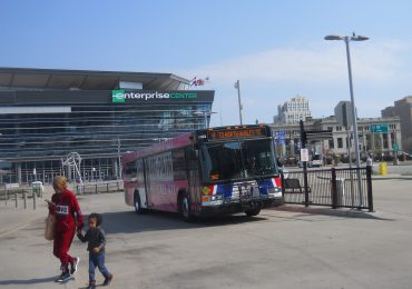 Metro Transit waives bus fares, implores safe riding