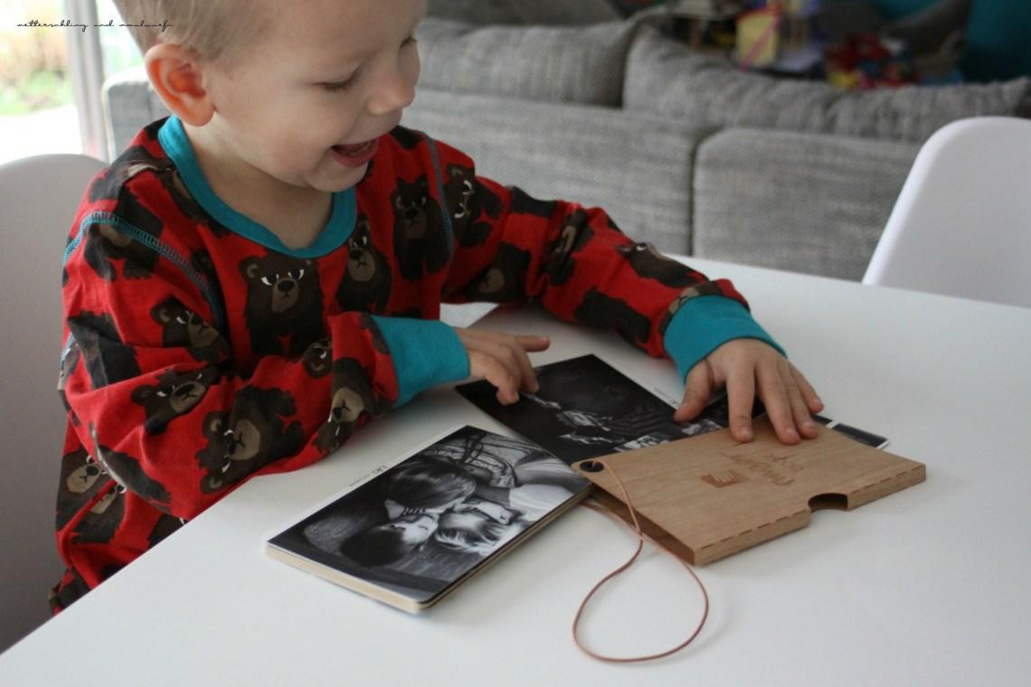 metterschlingundmaulwurfn_familienblog_fingerbooks_fotobuch_alternative_fotos_drucken_online_geschenkidee_klassenfahrt_montage (1)