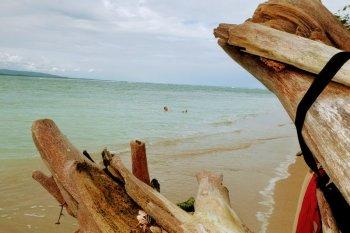 playa blanca cahuita costa rica