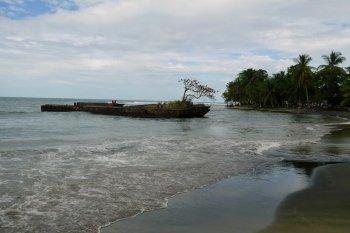 playa negra Puerto viejo de talamanca costa rica