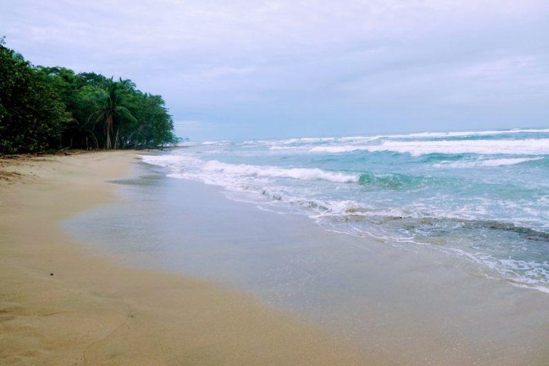 playa chiquita Puerto viejo de talamanca costa rica