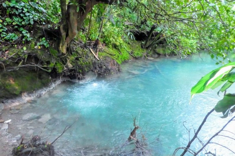 rio celeste tenorio bijagua costa rica