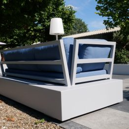 Aluminium loungebank New York, in structuur coating RAL 7040