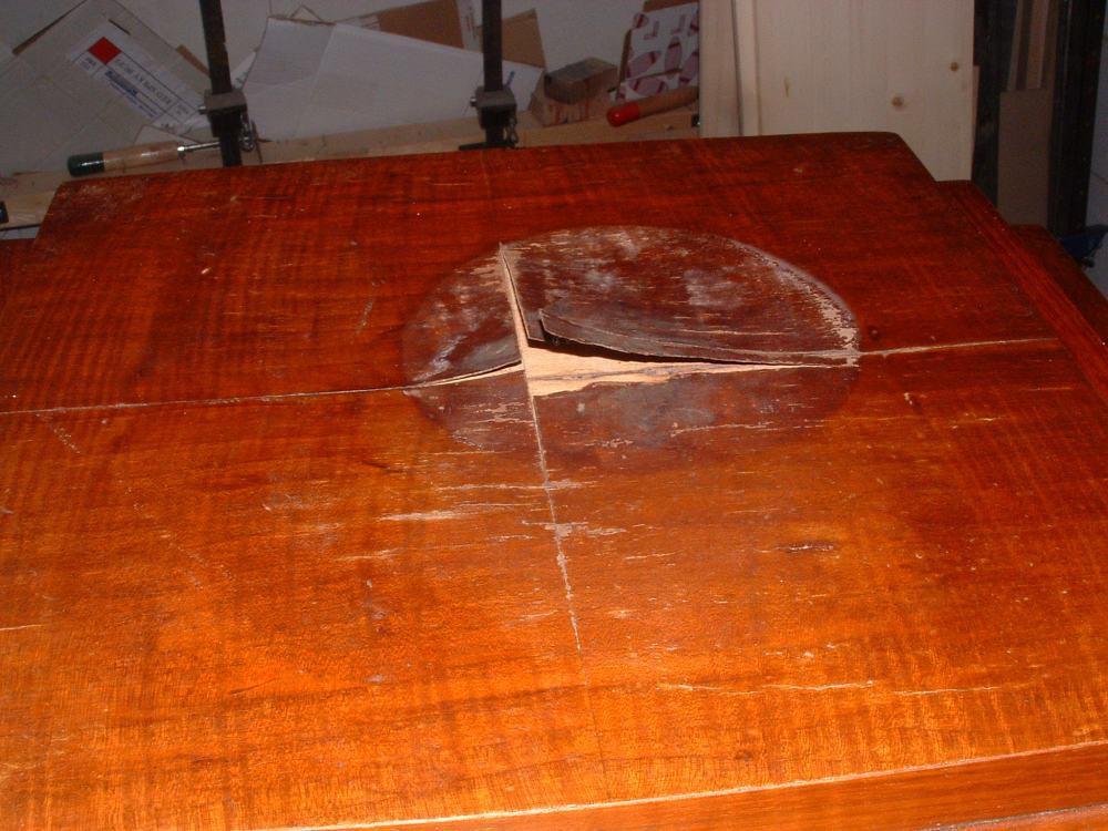 Kringen in het tafelblad deel II Zwarte kring/vlek (2/2)