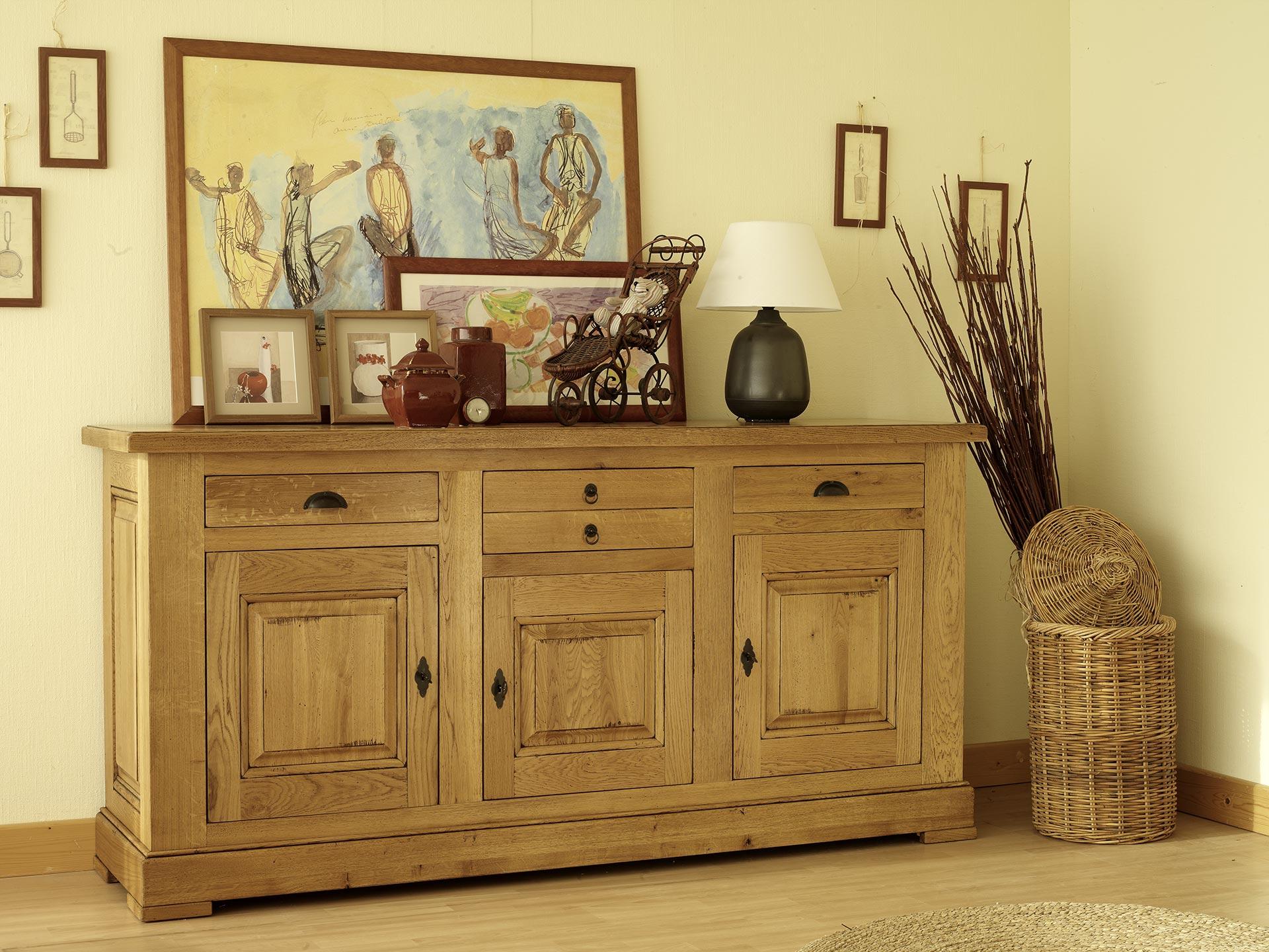 pour une ambiance de style campagne privilegier des meubles en bois massif alliant charme et authenticite avec des lignes simples pour garder l esprit