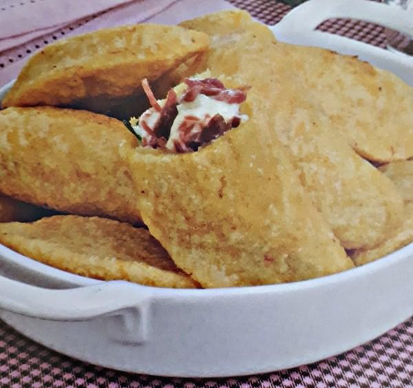 Pastel Mineiro com Carne Seca
