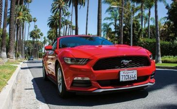 viaje a California, road trip con un Mustang descapotable