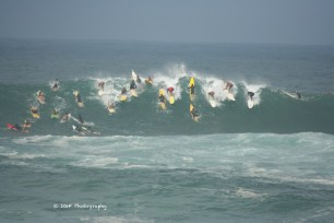 Surfer crowd