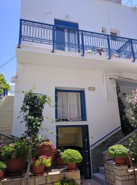 vakhos hostel naxos