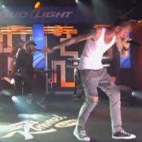 """MGK interpreta """"See My Tears"""" en Jimmy Kimmel Live"""