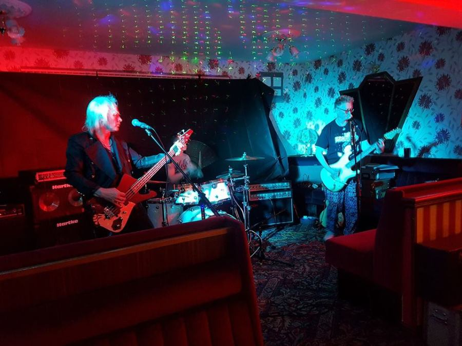 Hobbies of Today performed live in the 'THE LOUNGE'