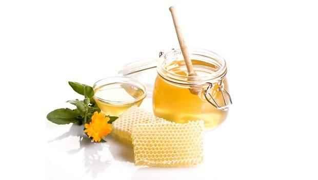 العسل أحد أفضل العلاجات المنزلية للسعال