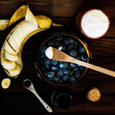 Blueberry Banana Yogurt Smoothie and Tips For Homemade Yogurt