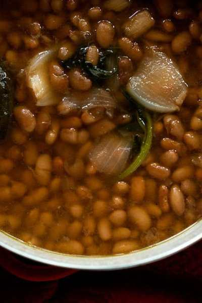 Frijoles de Olla: Making A Pot of Traditional Mexican Beans