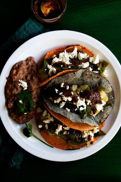 Potato and Poblano Pepper Tacos by @SpicieFoodie | #tacos #tacotuesday #potato #poblanopeppers #mexican #vegetarian #vegan