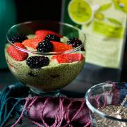 Berrylicious #Matcha #Chia Pudding by @SpicieFoodie | #vegan #raw