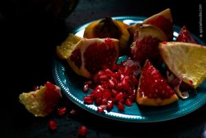 The Easiest Way to Seed a Pomegranate by @SpicieFoodie | #pomegranate #howtoseed