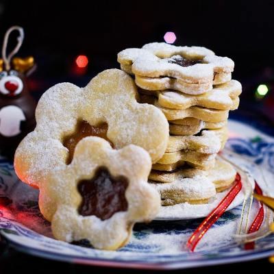 How to Make Czech Linzer Cookies
