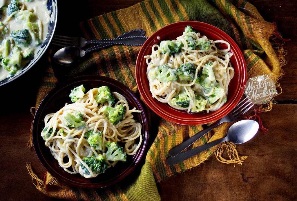 Vegan Alfredo Sauce Recipe (Salsa alfredo vegana) | #vegan #dairyfree #pastasauce #vegana #salsa