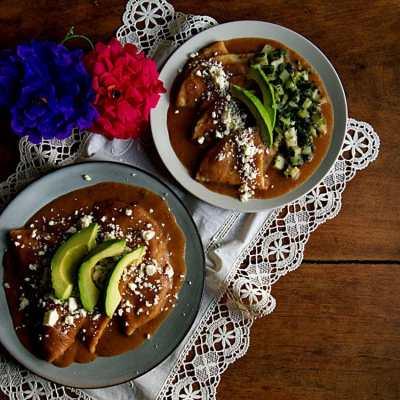 How to Make Enfrijoladas