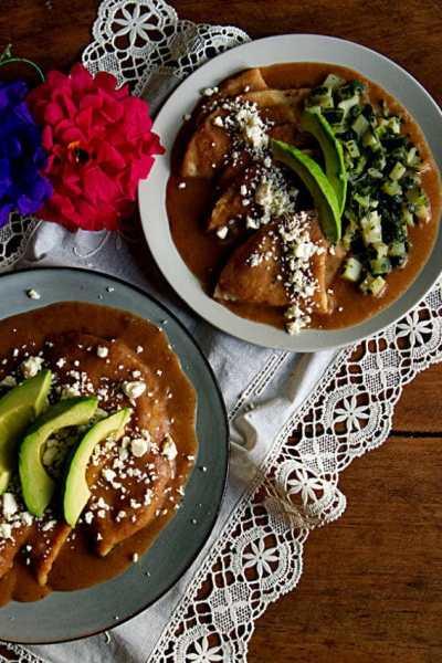 How To Make Enfrijoladas | Enfrijoladas recipe with potato and collard greens
