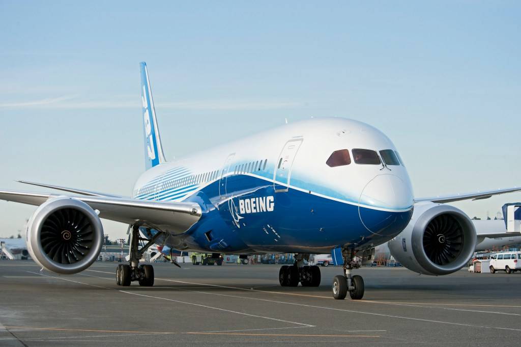 787 ZA003 World Tour Plane Photography K65508-06