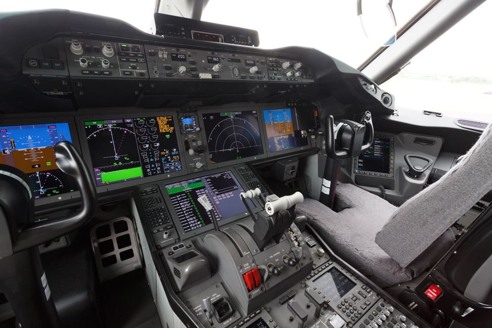 20140713-farnborough-boeing-787-9-008